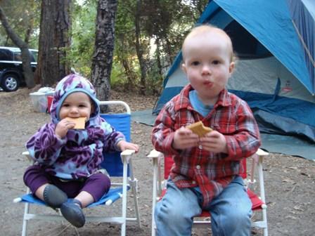 Zelten mit den Kleinkindern