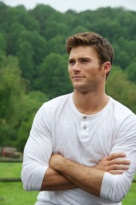 celeb-bdays-scott-eastwood