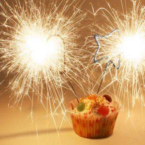 Pleasing Birthday Cake Candles Everything You Need To Know Geburtszeit Com Funny Birthday Cards Online Alyptdamsfinfo