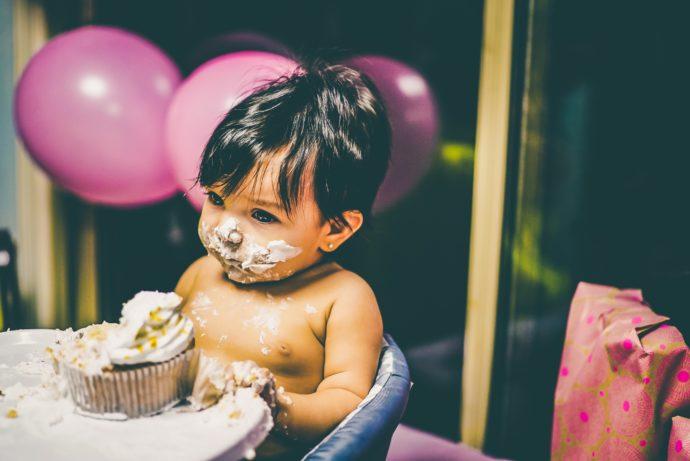 Kuchen zerschlagen
